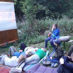 Kamp - buiten bioscoop